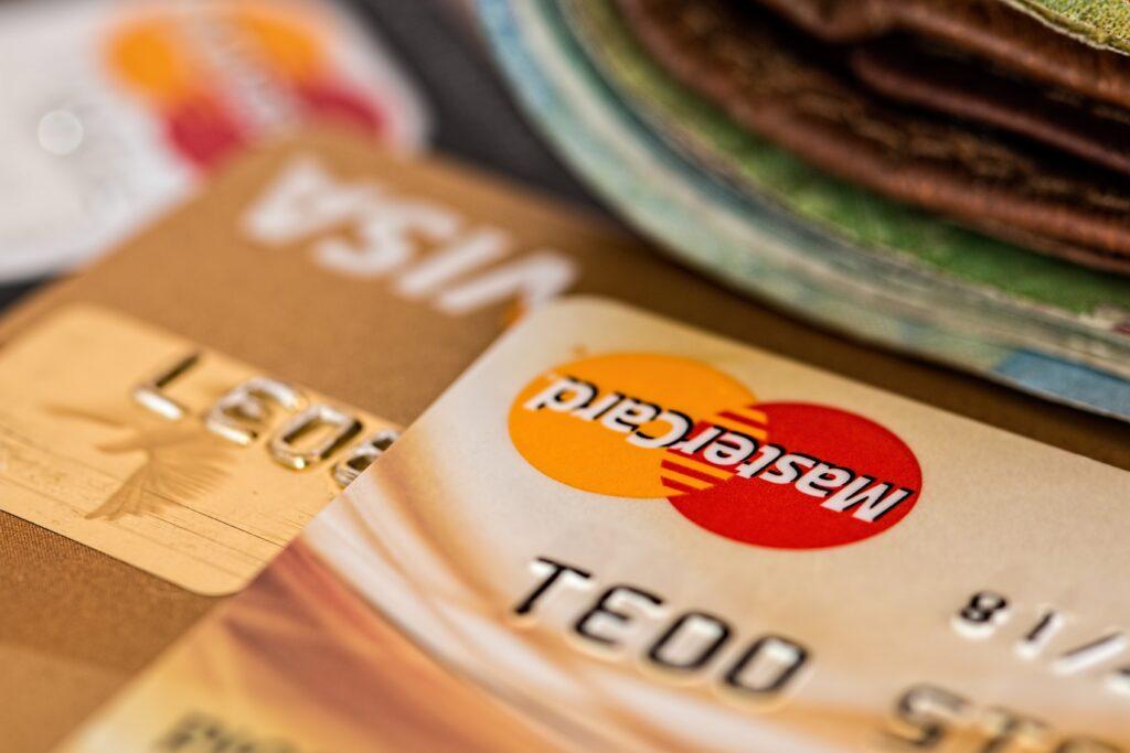 マスターカードとVISAのクレジットカード