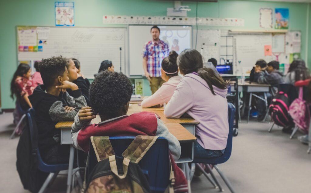 授業が行われる学校の教室