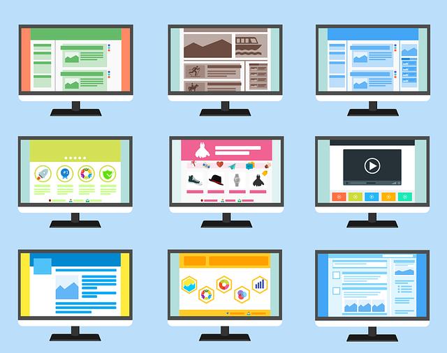 様々なサイトを映す9つのパソコン