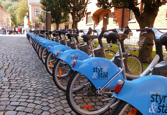 街に並ぶレンタルサイクル
